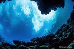 海の底から空を眺める